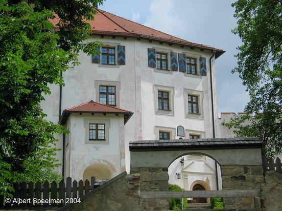 Thierlstein Burg 2004 ASP 02