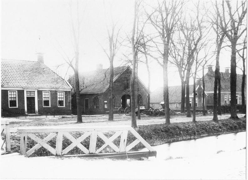1905 -1915 - Geheel rechts gedeelte van he schathuis van de borg Woelwijk